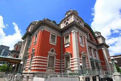 大阪市中央公会堂。建設資金を寄付して美談となった相場師、岩本栄之助は非業の死を遂げた。(写真:PIXTA)