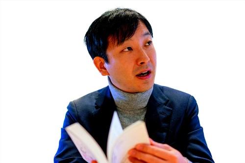 自ら資金繰りに走り回る中小企業社長のほうが、ファイナンス思考になじみやすいと、朝倉氏は語る