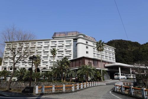 山口県長門市の湯本温泉にあった白木屋グランドホテル。今は取り壊され、別のホテルが建設中だ