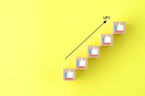 「実績=第三者の評価」を積み上げていくことがPRを成功に導く、というのが笹木氏の持論(写真:タカス / PIXTA(ピクスタ))