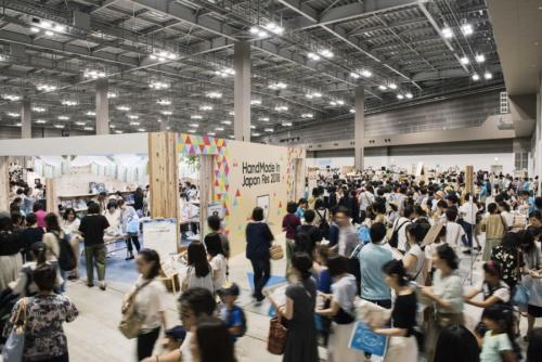 写真はCreemaの大型イベント「ハンドメイドインジャパンフェス」の会場。東京ビッグサイトで2013年から開催中。19年からは年2回の開催となった。このほか小規模なイベントを含めると年20回以上のイベントを開催している(写真提供:クリーマ)