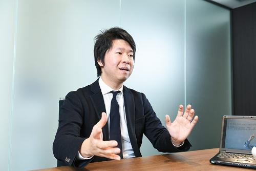 「とてつもない歴史のある日本でなら、圧倒的に高い価値のある富裕層向けの体験を生み出せますが、それをしつらえるのは非常に難しい。挑戦のしがいがあります」と語る丸山氏(写真:清水真帆呂)