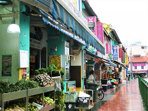 シンガポールの個人経営の店。いわゆる「パパ・ママ・ショップ」