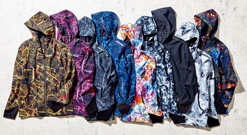 ワークマンオリジナルの「耐久撥水ウォームジャケット」は2900円(税込み)。50回洗濯しても撥水性能が続くのが特徴。以前は黒や紺などの色しかなかったが、今はバリエーションが増えた