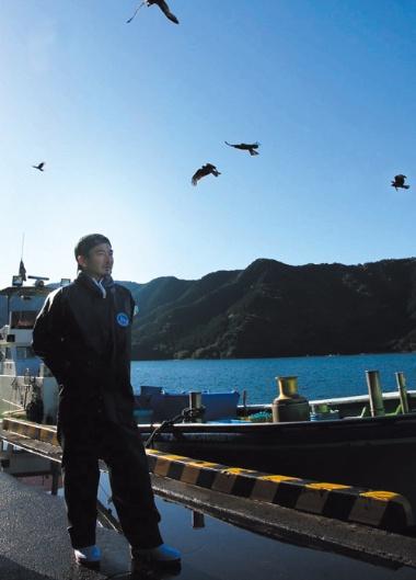 三重県尾鷲市で自ら漁をして、東京で経営する居酒屋チェーンに魚介類の供給を始めた五月女圭一・ゲイト社長