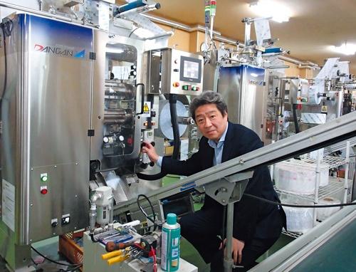 菅原冷蔵の菅原社長は、地方の強みを生かし、「売上高10億円」でトップになれるニッチ市場だけを攻める