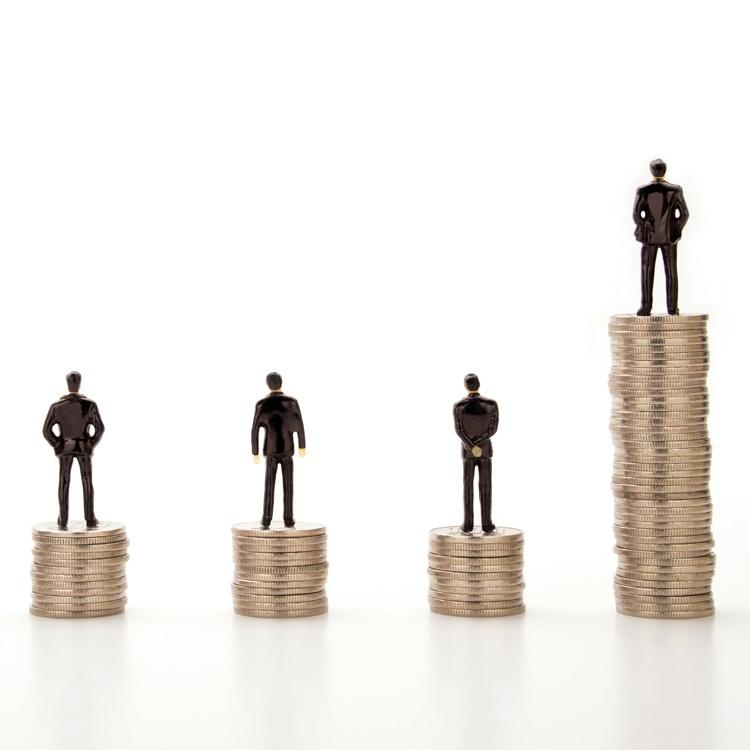 高給で採用した中途社員が働かず、期待外れです……。