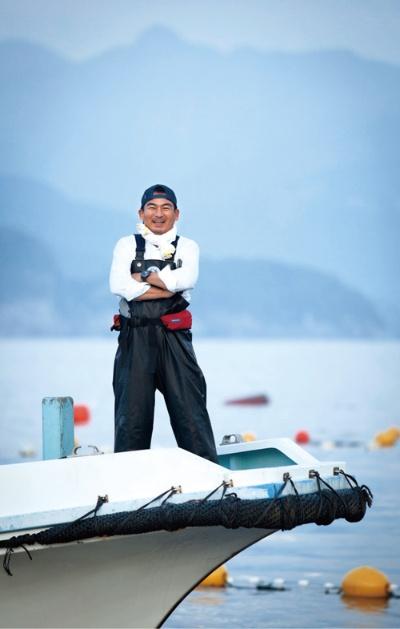 五月女社長は毎月1回、三重県熊野、尾鷲市に行き、自ら漁もする(写真/臼井美喜夫)