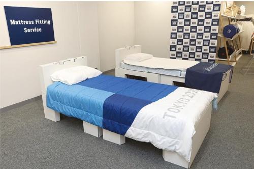 東京2020オリンピック・パラリンピック競技大会の選手村に導入されたベッド。フレームは段ボール製で、古紙としてリサイクルできる