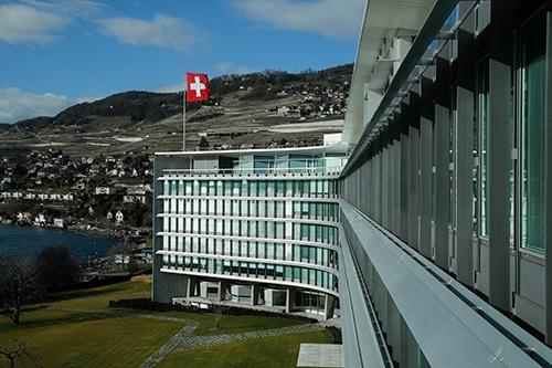 スイス、レマン湖畔のネスレ本社(Bloomberg / Getty Images)