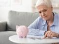 年金財政の破綻を回避する4つの選択肢