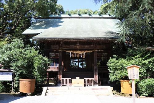 小田原市にある報徳二宮神社は1894年(明治27年)設立。尊徳は神に祭り上げられ、ほぼ同時期から近代天皇制国家に利用されていくようになる(写真:PIXTA)