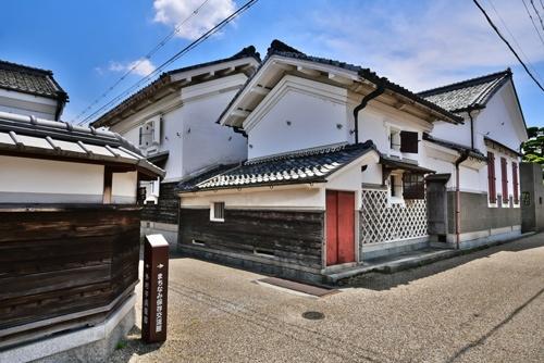 五個荘(現・滋賀県東近江市)の街並み。近江商人は高島、近江八幡、日野など、複数の地域から生まれ、豪邸を残した(写真:PIXTA)