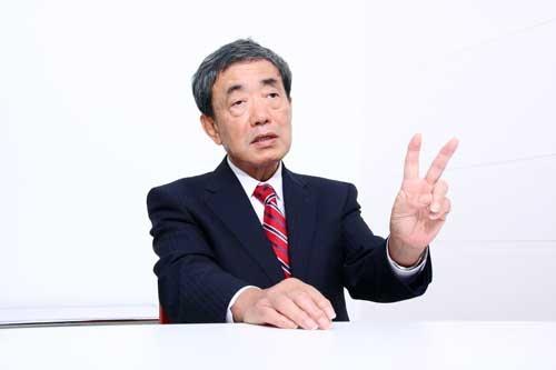 「方法は2つあります」と話す松本会長(写真:高橋久雄、以下同)