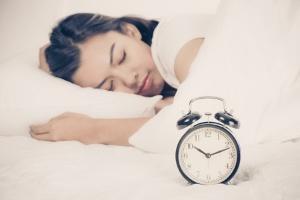 日本人の睡眠時間は減少傾向。(©Nonwarit Pruetisirirot/123RF.com)