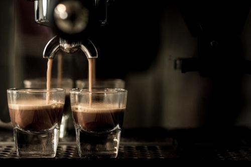 コーヒーには脂肪を燃やす効果があるという。今回は男女を問わず誰もが気になるコーヒーのダイエット効果に迫る(©Jedsada Piampiyachat -123rf)