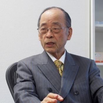 <b>板倉弘重さん</b>。1961年、東京大学医学部卒。同大学第三内科講師を経て、国立栄養・健康研究所臨床栄養部長に。この間、米国カリフォルニア大学サンフランシスコ心臓血管研究所研究員として留学。1996年に国立健康・栄養研究所を退官。脂質代謝、動脈硬化、抗酸化物質、老年医学を専門とする。