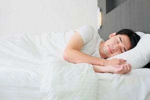 睡眠の質が低い人にマインドフルネス瞑想を実践することで睡眠の質が上がったという研究報告も。(©Inspirestock International 〔Exclusive Contributor〕 123-rf)