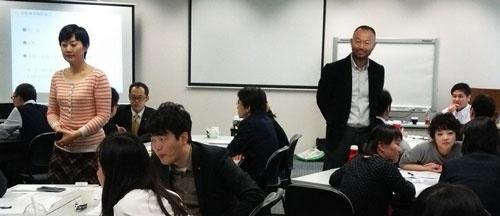著者(右に立っている人)の最近のセミナー風景(中国・上海にて)